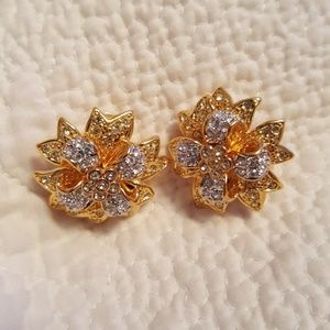 Vintage kenneth jay lane gold and silver flower
